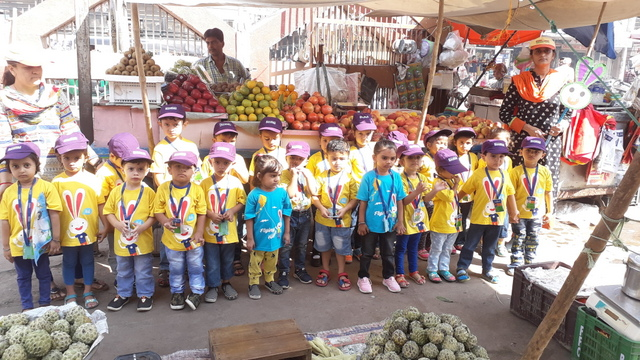Field trip | Visit to a 'Fruit market' | Nursery | 2018-19